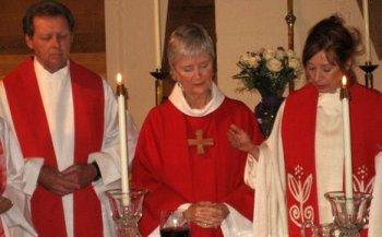 Roy Bourgeois lors de l'ordination interdite